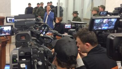 Photo of Попри протести: суд залишив Юлію Кузьменко під арештом – фото, відео