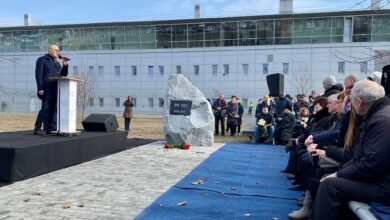 """Photo of У """"Борисполі"""" відкрили сквер пам'яті жертвам авіакатастрофи МАУ: фото та відео"""