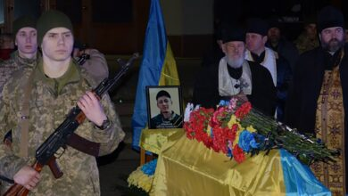 Photo of У Полтаві попрощалися з Максимом Хітайловим – вбитим у бою під Золотим: фото, відео