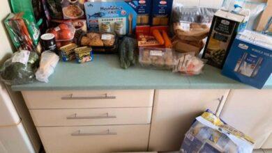 Photo of Українці, яка залишилася в Ухані через собаку, завезли продукти харчування