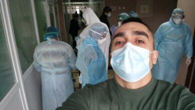 Photo of В захисних масках і халатах: У мережі показали, як працюють епідеміологи у Нових Санжарах