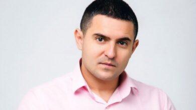 """Photo of """"Ти не народний депутат"""": Як українці зустрічають """"слугу народу"""" Куницького"""