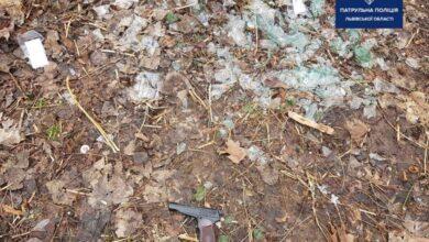 Photo of Патрульні затримали львів'янина, який влаштував стрілянину у Скнилівському парку