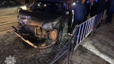 Photo of У Львові нетверезий водій зіткнувся з двома авто