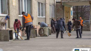 Photo of У Львові працівники лікарні швидкої допомоги провели толоку