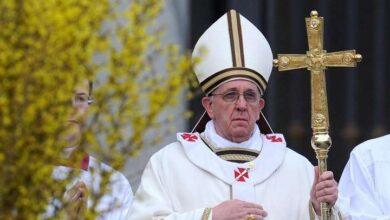 Photo of Українські телеканали показуватимуть Великодні богослужіння, які очолить Папа Франциск