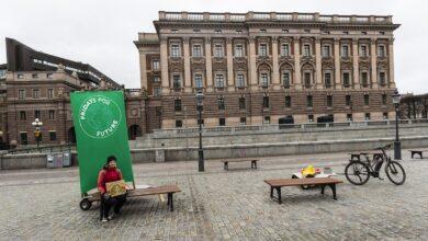 Photo of Коронавірус у Швеції: працюють школи, ресторани і підприємства