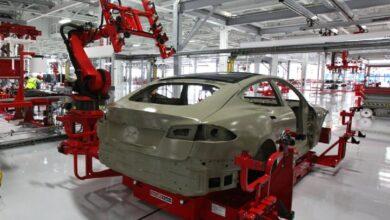 Photo of Маск скористається карантином, щоб модернізувати заводи Tesla