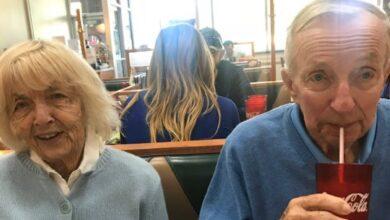 Photo of У США пара прожила разом 65 років та в один день померла від коронавірусу