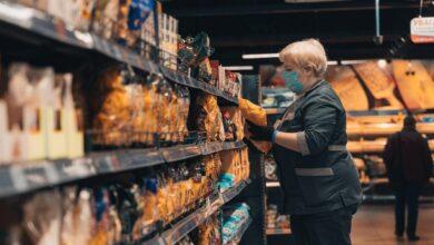 Photo of Хворим на коронавірус дозволили виходити в аптеки та магазини: постанова уряду