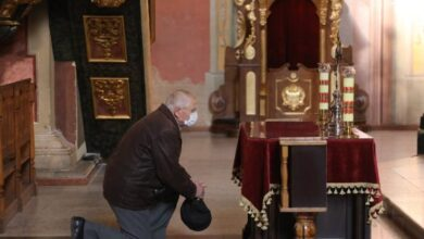 """Photo of """"Будемо молитися біля комп'ютера"""". Як українські Церкви проведуть Великдень в умовах карантину"""