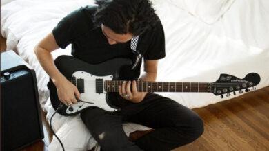 Photo of Компанія Fender три місяці буде безкоштовно навчати грі на гітарі