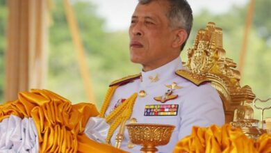 Photo of Король Таїланду ізолювався від коронавірусу в німецькому готелі з 20 коханками