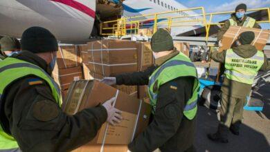 Photo of В Україну прибув літак зі 100 тисячами тестів на коронавірус