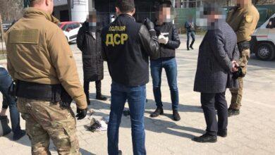 Photo of Ділкам зі Львова, які вимагали у бізнесмена 208 тисяч «відкату», обрали запобіжні заходи