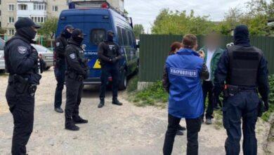 Photo of Розбещували та знімали дитяче порно: кіберполіція викрила зловмисників