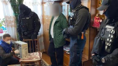 Photo of Знімав зґвалтування дівчинки на телефон: кіберполіція затримала чотирьох педофілів