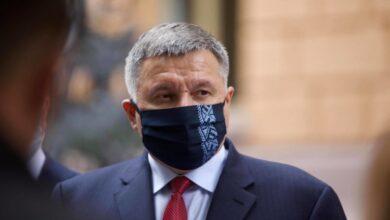 Photo of Україна ще декілька місяців житиме в режимі «м'яких кроків» виходу з карантину, – Аваков