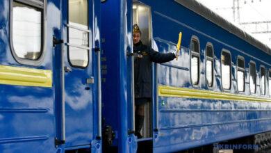 Photo of Залізничні квитки не будуть дорожчати, – міністр