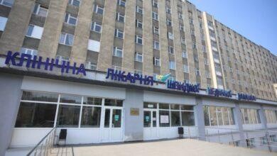 Photo of 56 інфікованих COVID-19 працівників «швидкої» у Львові: керівник лікарні каже, що цей процес був неминучим