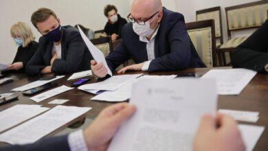 Photo of Виконком «дав добро» на кредит для зарплат комунальникам, який «зарубали» депутати