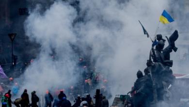 Photo of Розстріли на Майдані: суд заочно заарештував екс-міністра оборони Лебедєва