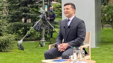Photo of Про кінець епохи бідності, Донбас і карантин: головне з прес-конференції Зеленського