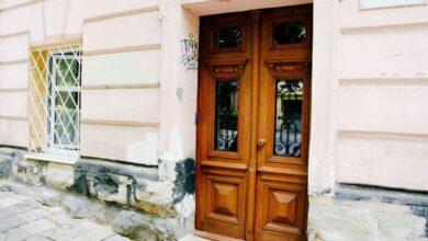 Photo of На вулиці Коцюбинського відреставрували історичну браму
