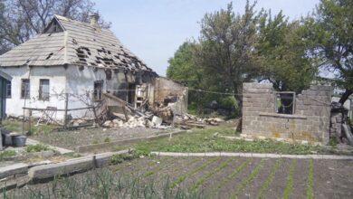 Photo of Бойовики обстріляли три житлових будинки у Красногорівці