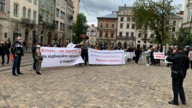 Photo of Під Ратушею протестують спортсмени. Чого вимагають?