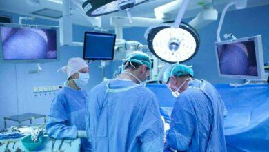 Photo of Стрілянина у Львові: медики показали, як витягували кулю з легень чоловіка (18+)