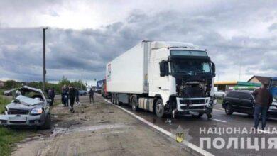 Photo of Смертельна ДТП біля Львова: «Шевроле» зіткнувся з вантажівкою