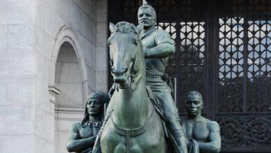 Photo of Знову расизм. В Нью-Йорку погодили знесення пам'ятника президенту США Рузвельту
