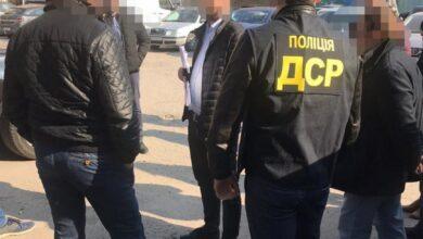 Photo of Завезли брендовий одяг під виглядом гуманітарки: судитимуть Львівських митників