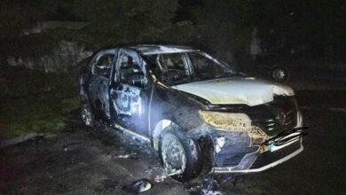 Photo of Вночі у Львові згорів автомобіль Renault Logan