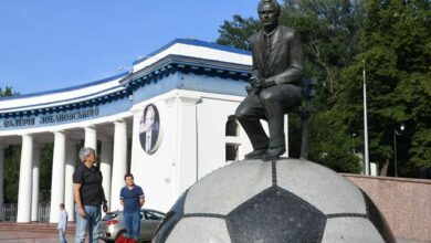 Photo of Луческу поклав квіти до пам'ятника Лобановському