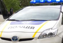 Photo of У Кременчуці п'яний чоловік зайнявся сексом у авто на очах у поліцейських (18+)