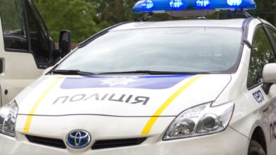 Photo of Бризнули з балончика і вдарили по голові: в Затоці побили поліцейського