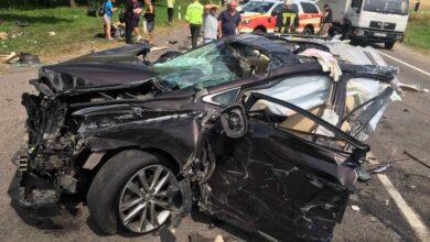 Photo of Четверо людей постраждало в страшній ДТП, під час якої Lexus розірвало навпіл