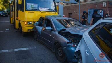 Photo of Масштабна ДТП у Дніпрі: у маршрутки відмовили гальма, постраждала дитина