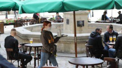 Photo of У Львові обмежили у часі роботу кафе і ресторанів