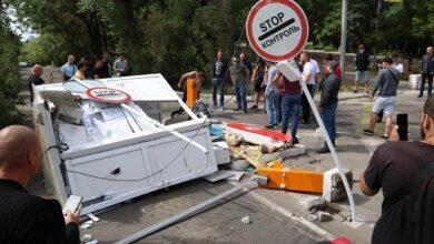 Photo of Щоб не збирали гроші: в Одесі розламали два шлагбауми на узбережжі
