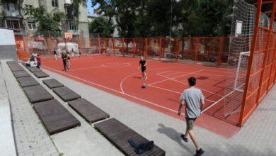 Photo of У Залізничному районі реконструювали спортивний майданчик