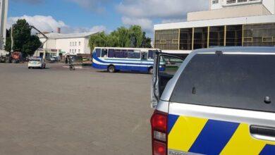 Photo of Стрілянина у Луцьку: терорист погрожує підірвати автобус у разі штурму
