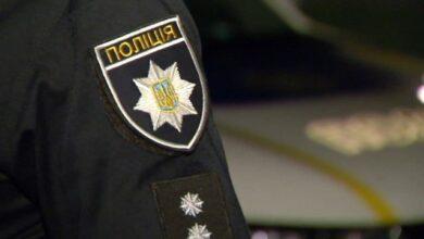 Photo of У Запоріжжі жінка накинулася на поліцейських з кульковою ручкою – вони травмовані