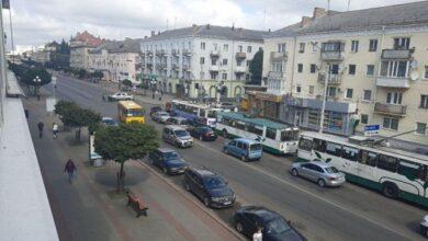 Photo of З вікна захопленого автобуса у Луцьку викинули гранату і чути постріли