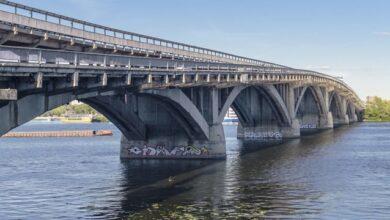 Photo of Водоспад з окропу: на мосту Патона у Києві знову прорвало теплотрасу