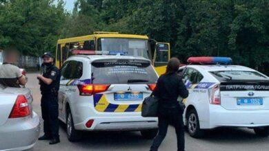 Photo of У Києві двоє чоловіків викрали маршрутку і ганяли вулицями