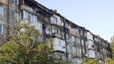 Photo of Пожежа у Новій Каховці: обласна влада обіцяє відселити мешканців постраждалих квартир