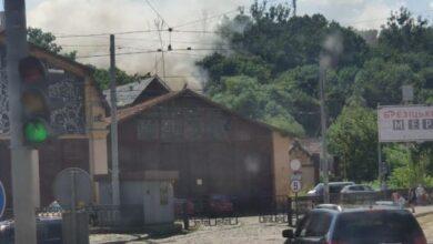 Photo of Біля трамвайного депо на вулиці Сахарова спалахнула пожежа у будівлі